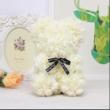 Rózsa maci, örök virág maci díszdobozban 25 cm - krémfehér