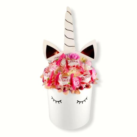 BoxEnjoy - Unikornis fehér közepes desszert doboz- rózsaszín szappanrózsával és málnás Raffaello-val
